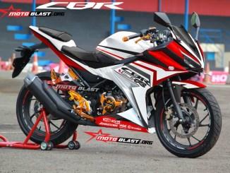 CBR150R-WHITE-RED