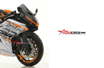Modifikasi Striping Honda All New CBR250RR Black ala KTM RC