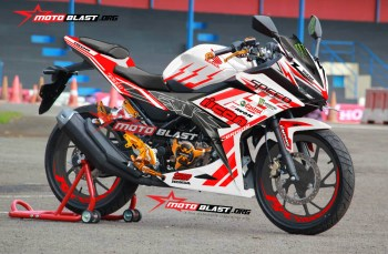 Modifikasi Striping All New Honda CBR150R White Red Icon Drift Battle