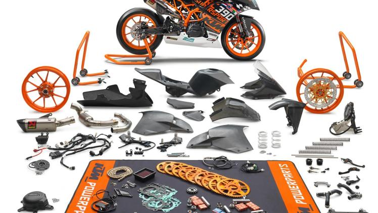 ktm-releases-new-limited-rc-390-r-and-ssp300-kit-for-2018_5