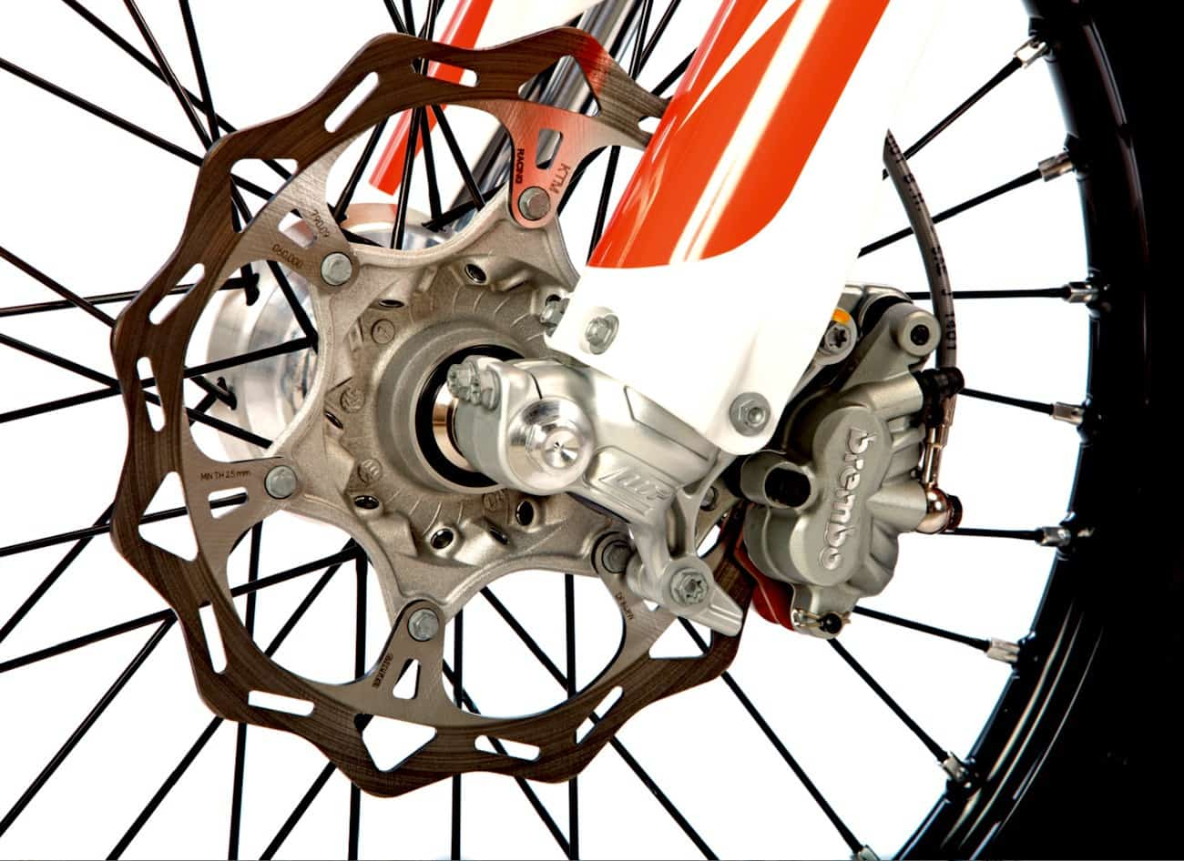 "The ""big four"" japanese brands have been throwing 270mm rotors on their old fashioned master cylinders and calipers to try to keep ktm's brembo brakes in"