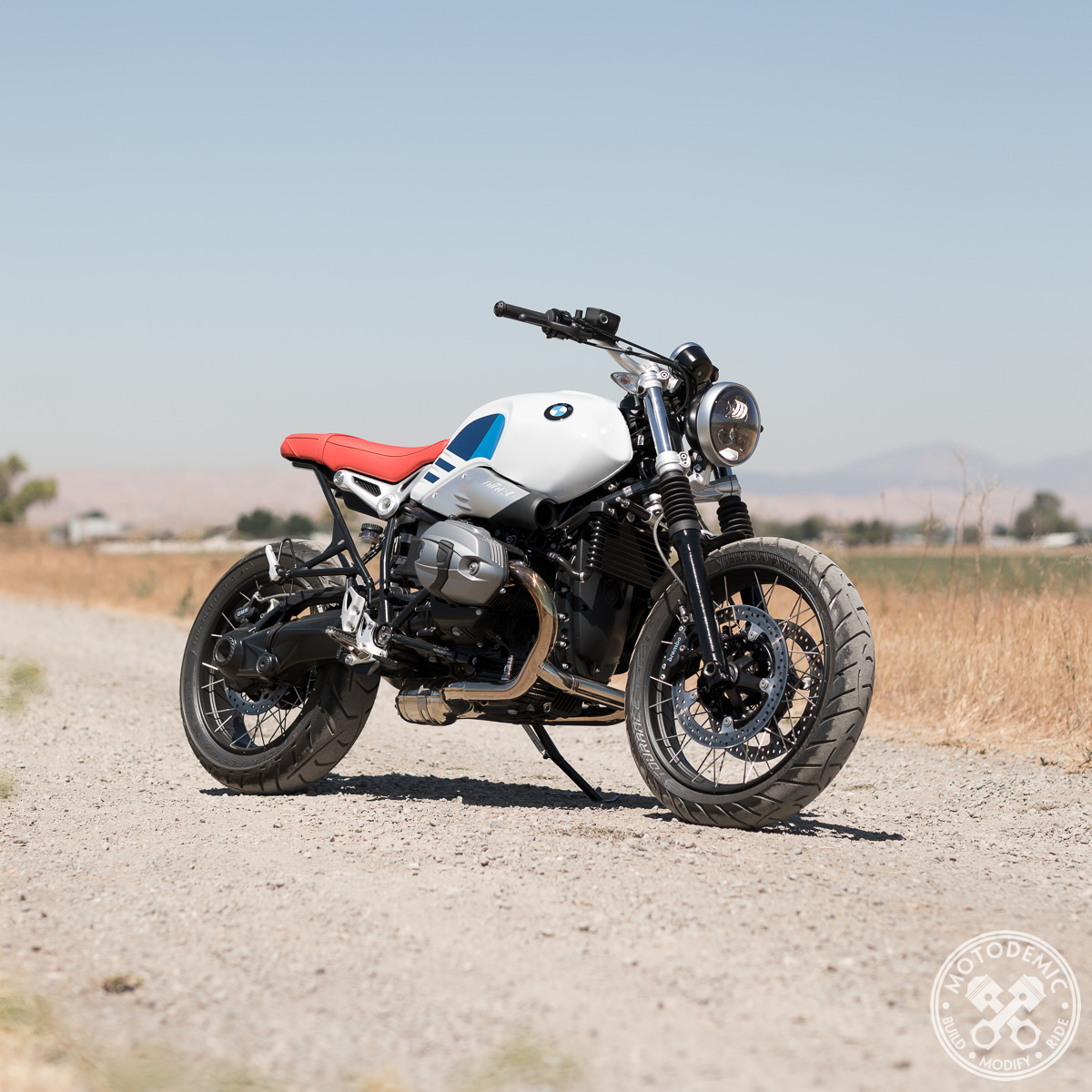 001-motodemic-rninet-led-headlight