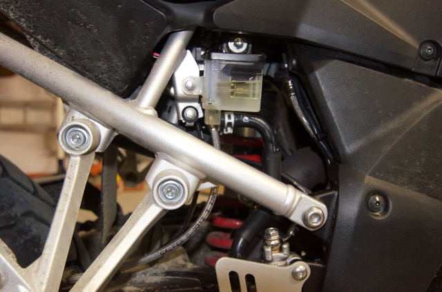ABS controller and brake lines