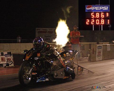 Motor drag berbahan bakar etahnol