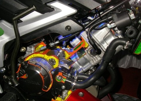 engine cut away CS1