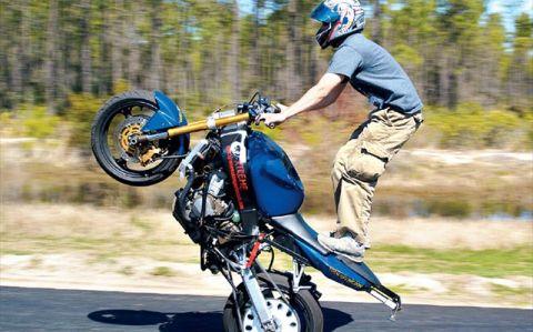 motorcycle_wheelie_side
