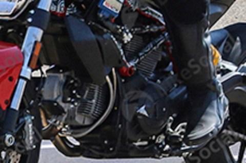 Ducati Monster 821 facelift engine