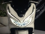 pcx 150 18 headlamp on s