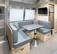 2021Airstream Flying Cloud 30 Office (3)