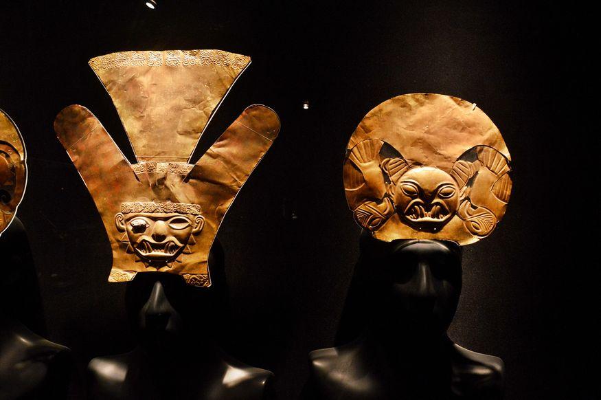 Налобные пластины из тонкого листа золота Лима Перу