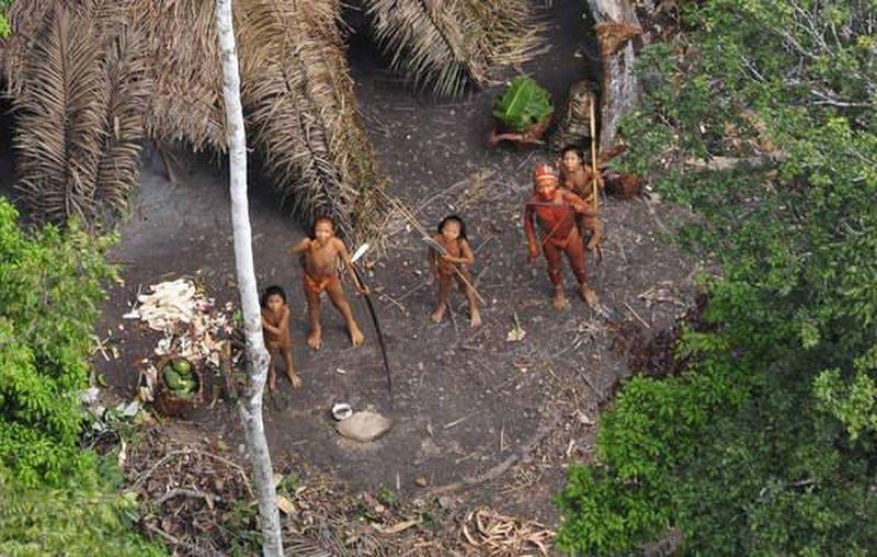 Фото диких индейцев тароменане с вертолета - издание El diario