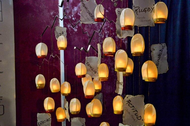 Бумажные фонари в память Чудо в Андах