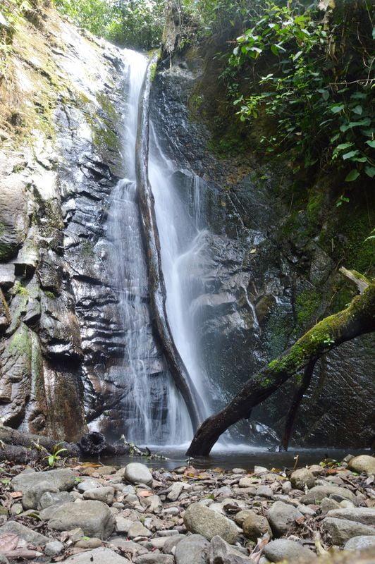 Водопад в заповеднике Интаг
