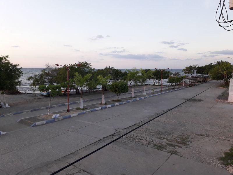 Пустая улица в Сантьяго-де-Толу