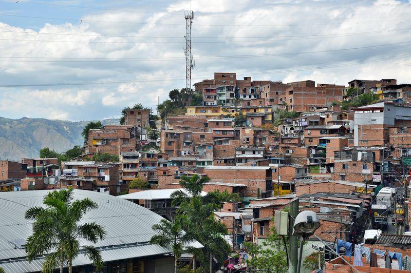 Панорама трущоб - город Медельин
