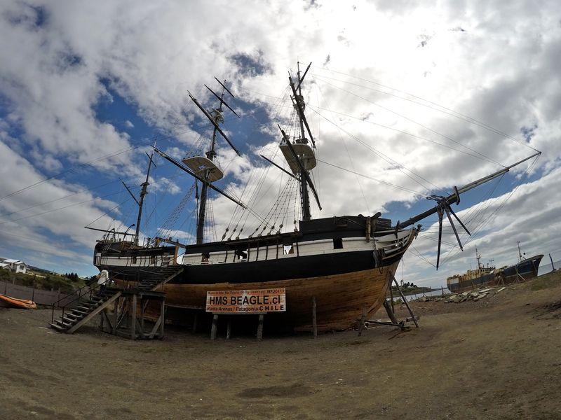 Дарвин - корабль в Пунта Аренас