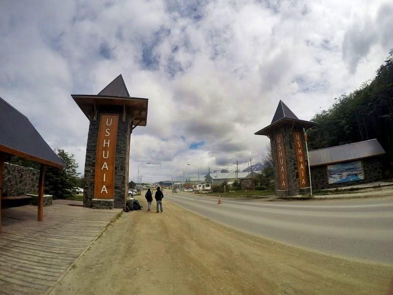 Автостопом по Патагонии путешествуют студенты
