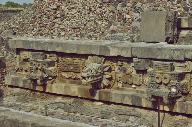 Теотиуакан Храм Змея