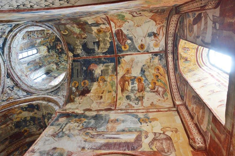 Фрески в соборе Гелати