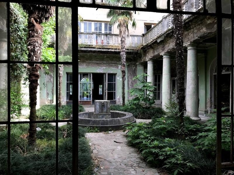Внутренний двор Цхалтубо