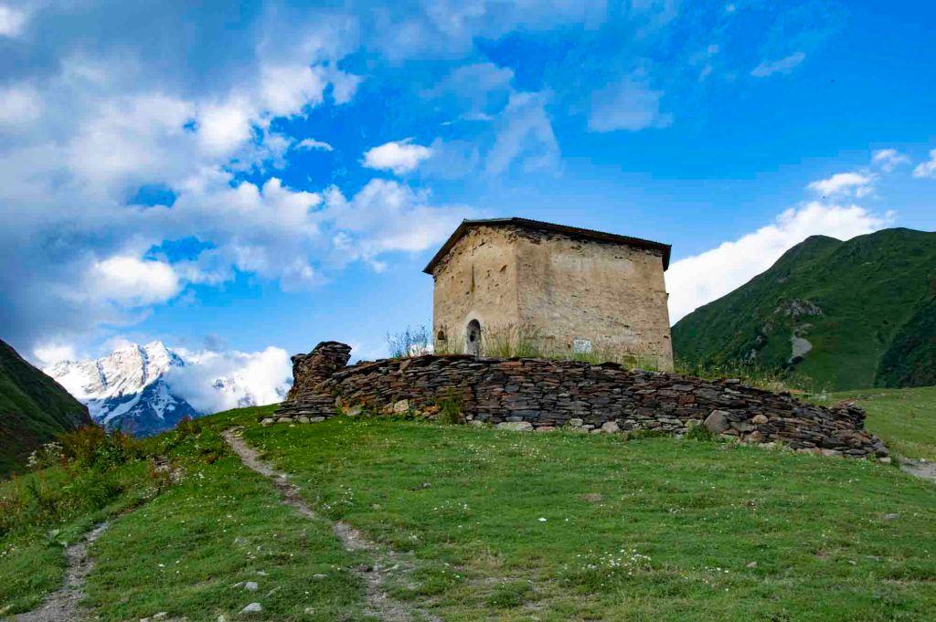 храм Георгия в Ушгули