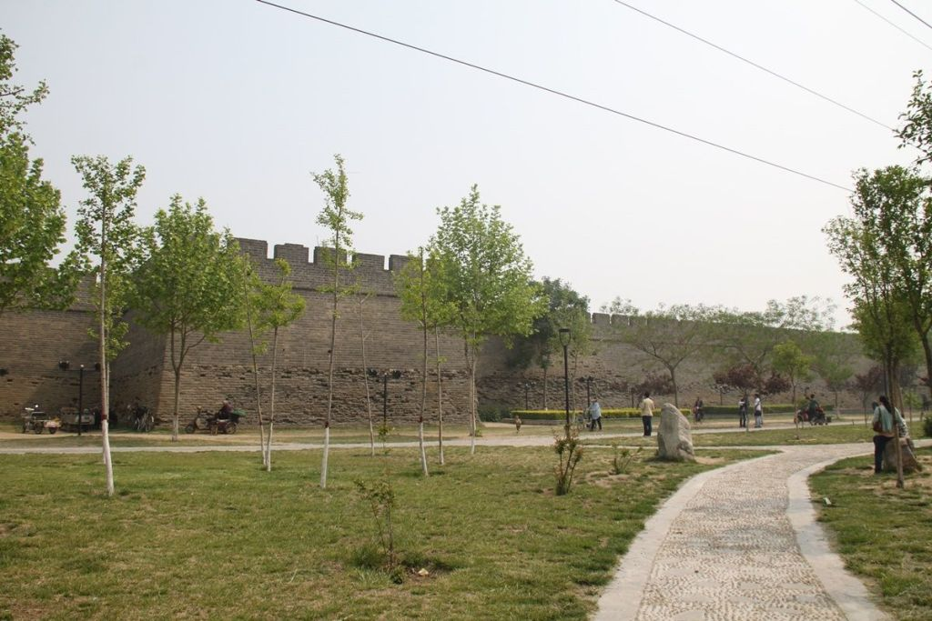Стена вокруг старого центра