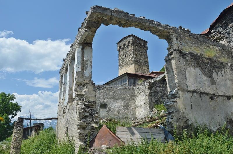 руины здания
