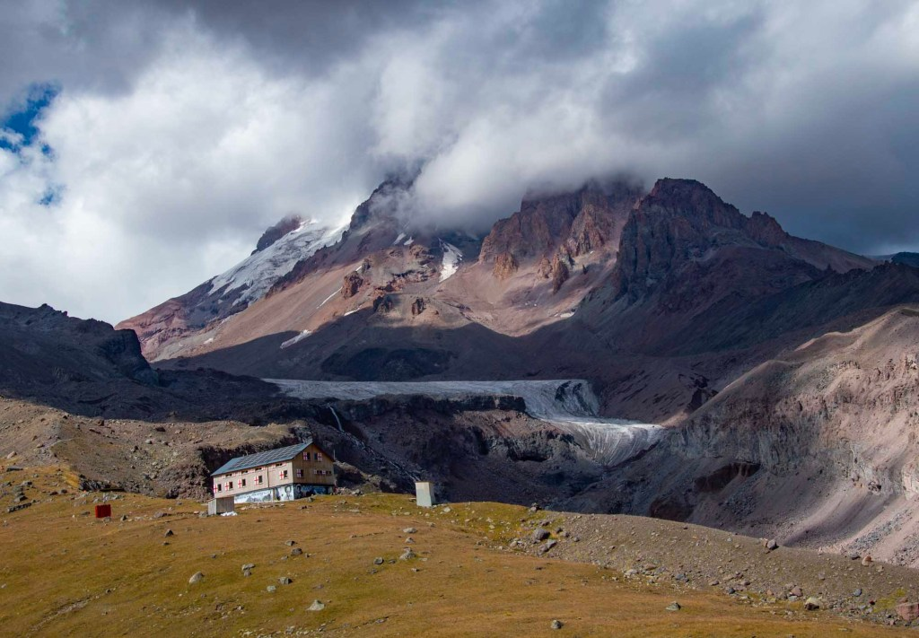 Приют в горах