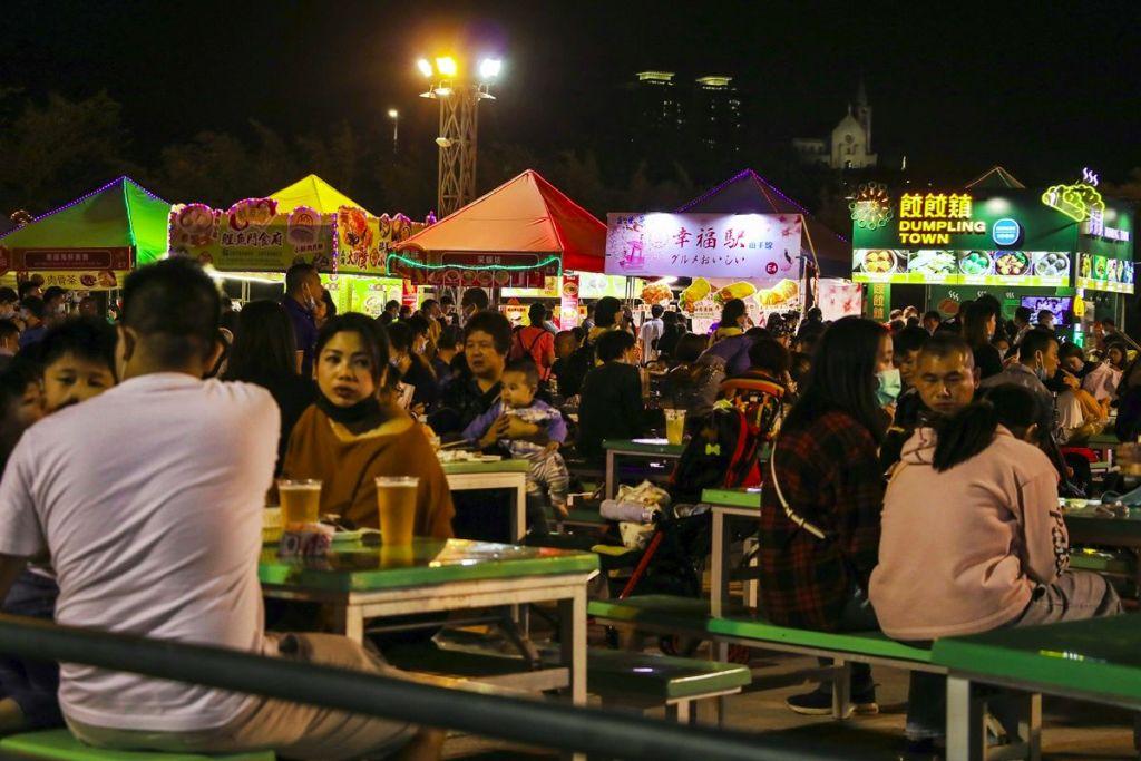 Ночной рынок Кайфын