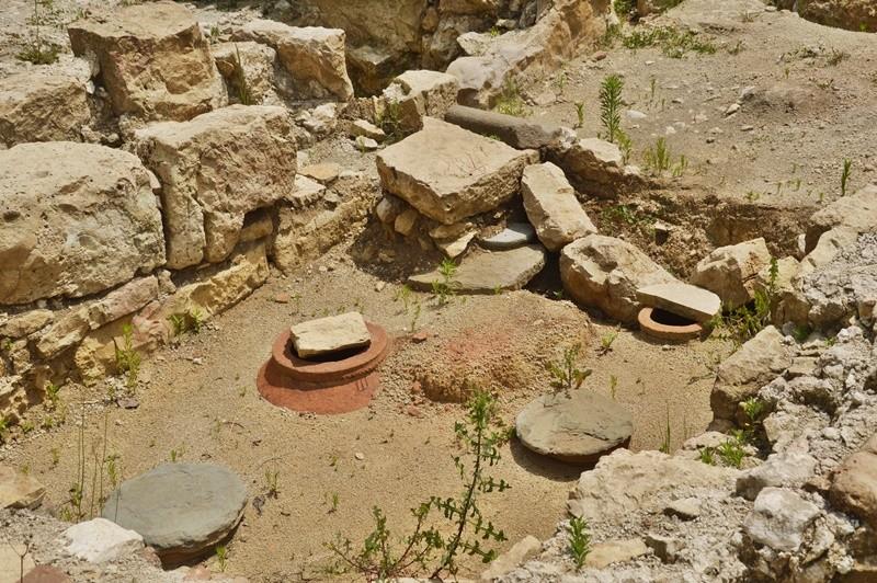 Археологические раскопки в монастыре Гелати