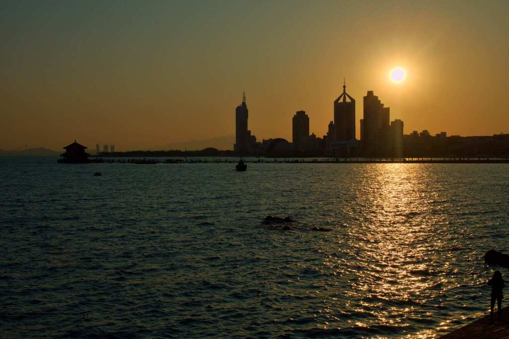 Закат с видом на мегаполис