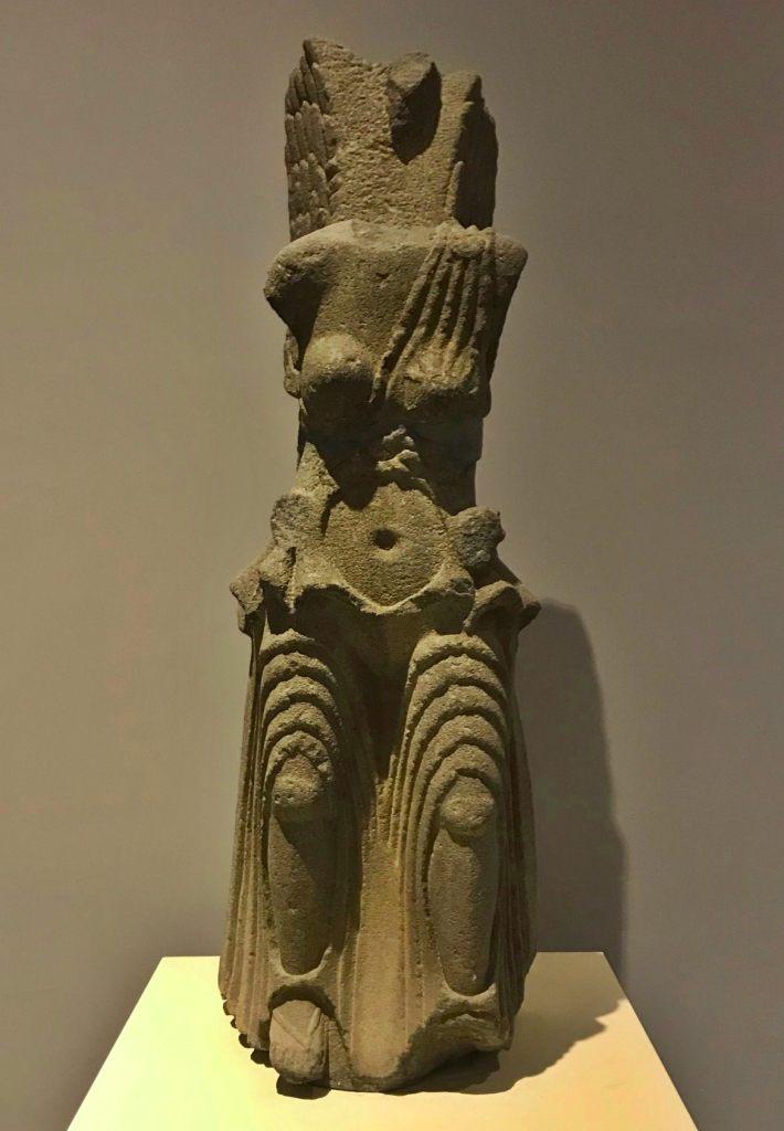 статуя Ники
