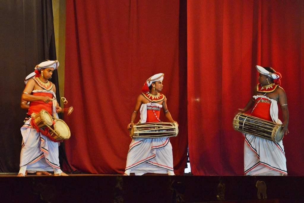 Музыкальные инструменты Шри-Ланки
