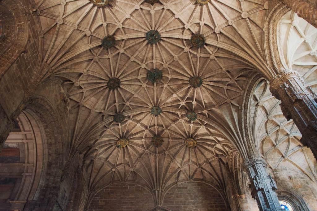 Купол церкви в Португалии