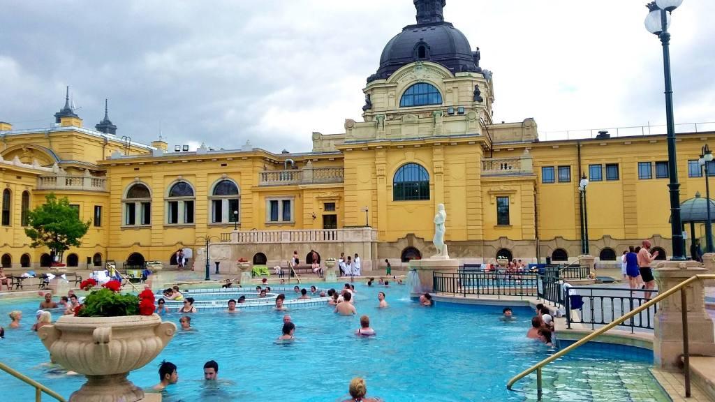 Сеченские ванны