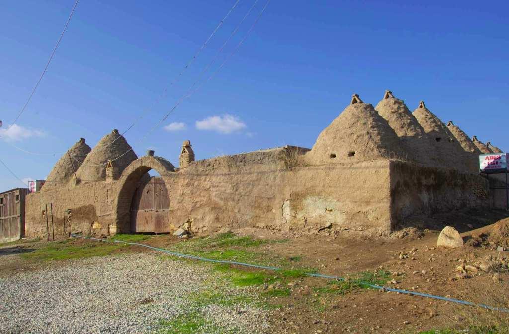 Конические здания из адобы