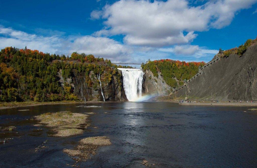 Водопад Монморанси в Канаде