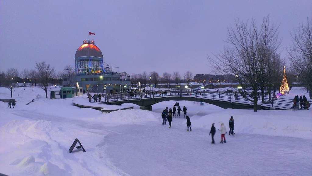 Каток - зима в Монреале