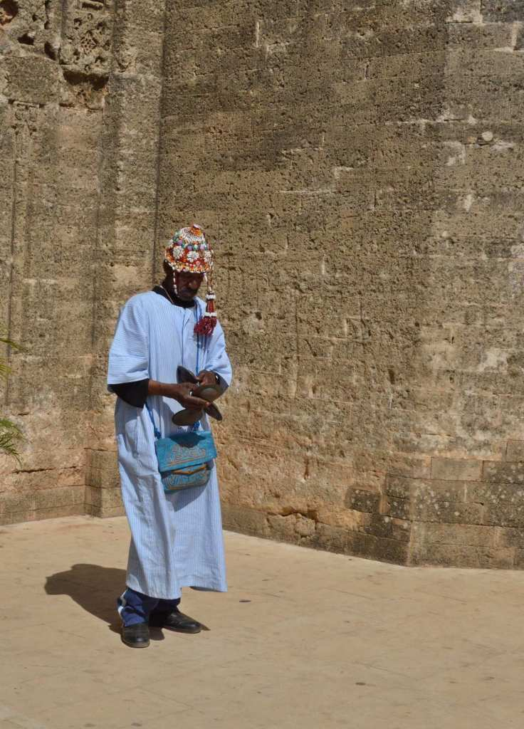 Мерроканец в традиционном костюме