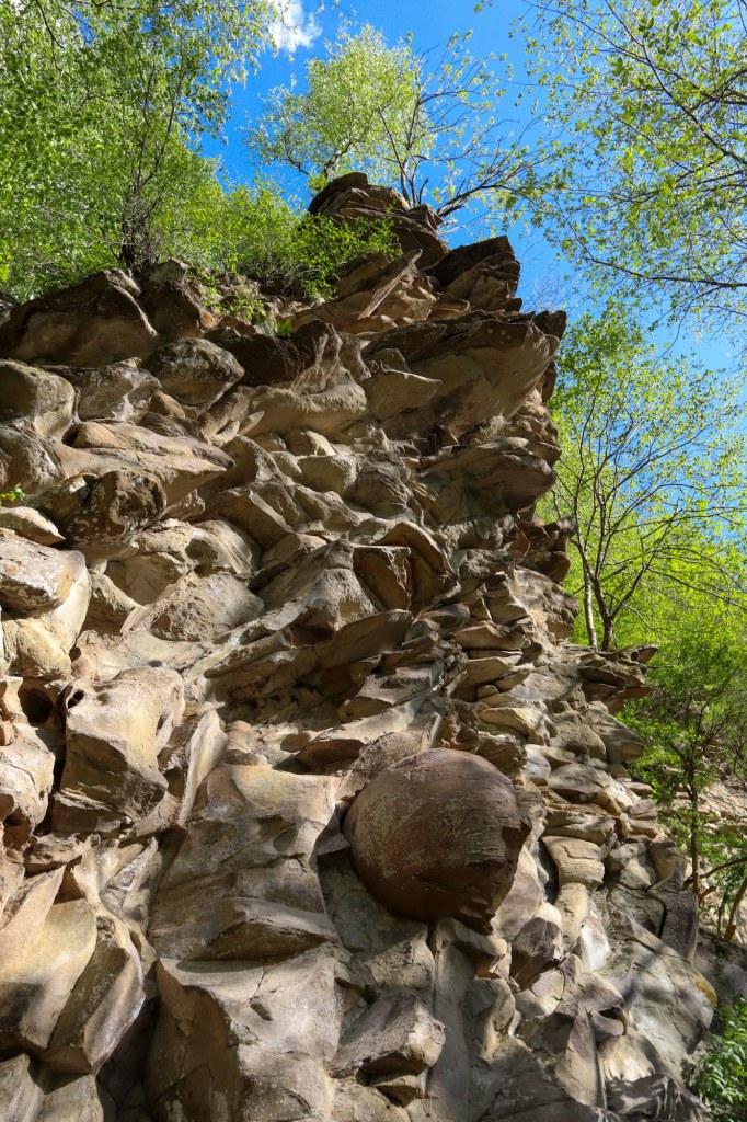 Достопримечательности Архыза - каменные яйца