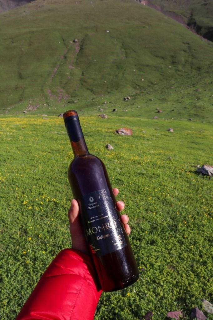 киргизское вино Монро