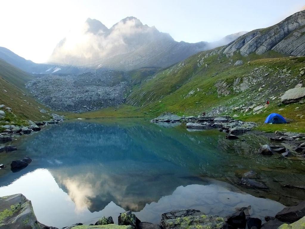 озеро удзиро треккинг в грузии