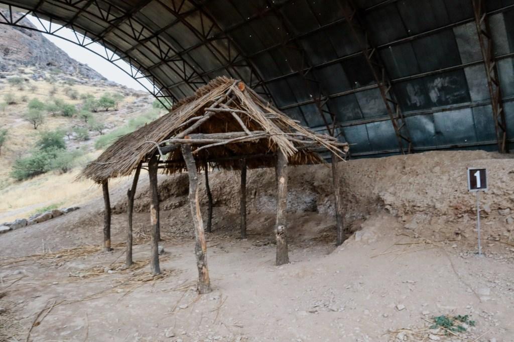Землянка бронзового века в Средней Азии