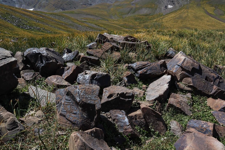 развал базальтовых камней