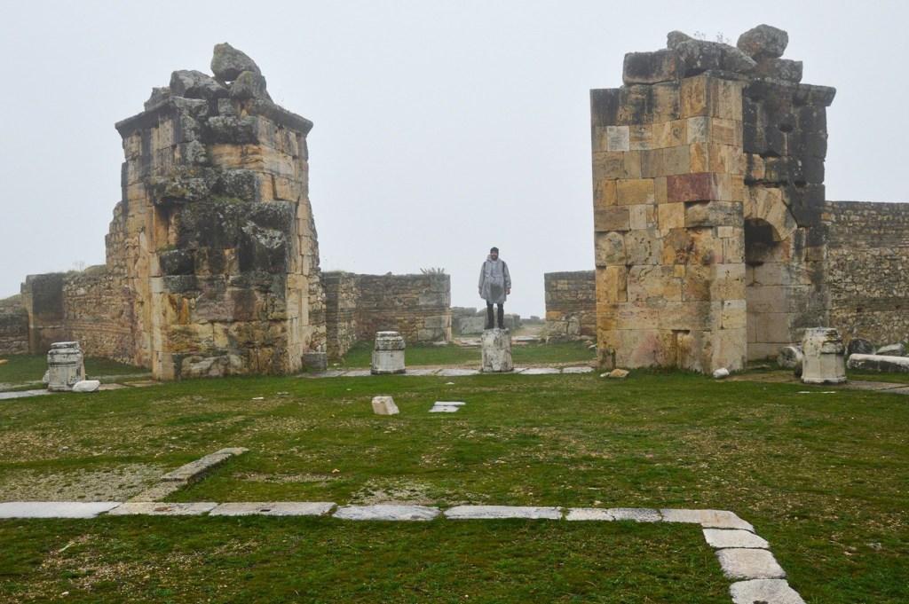 Иераполис Турция — развалины христианской церкви