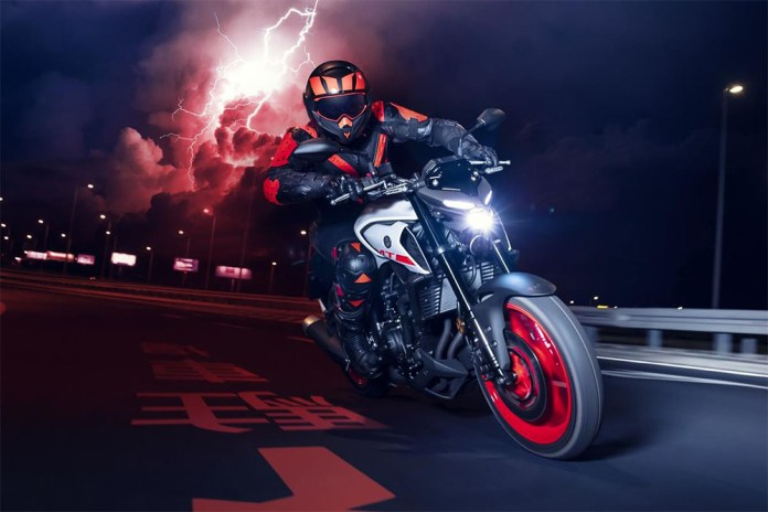 Yamaha surpreende com nova MT-03