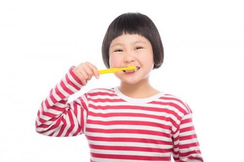 女の子-歯磨き