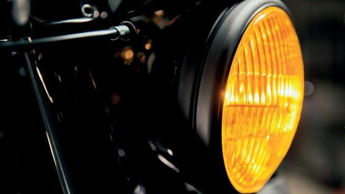 ヤードビルト XJR1300 カフェレーサーヘッドライト