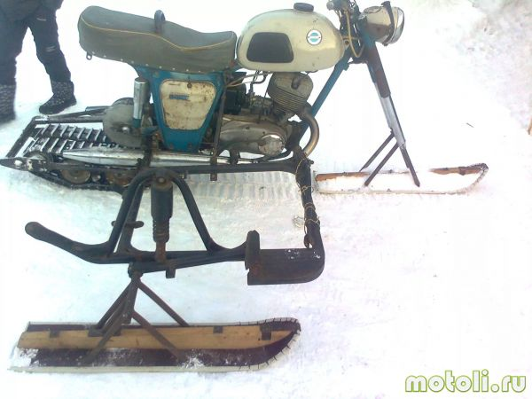 Motosikal Snowmobile Izh.