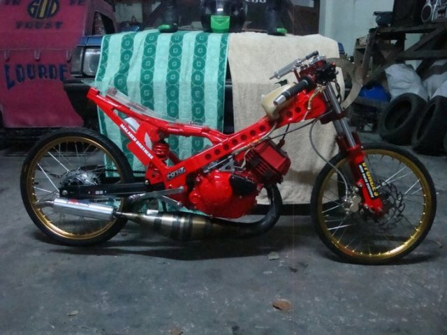 Modified Yamaha 125ZR Red Drag Machine by Randy, Philippines